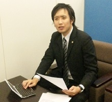 山崎行政書士事務所代表山崎新一郎先生