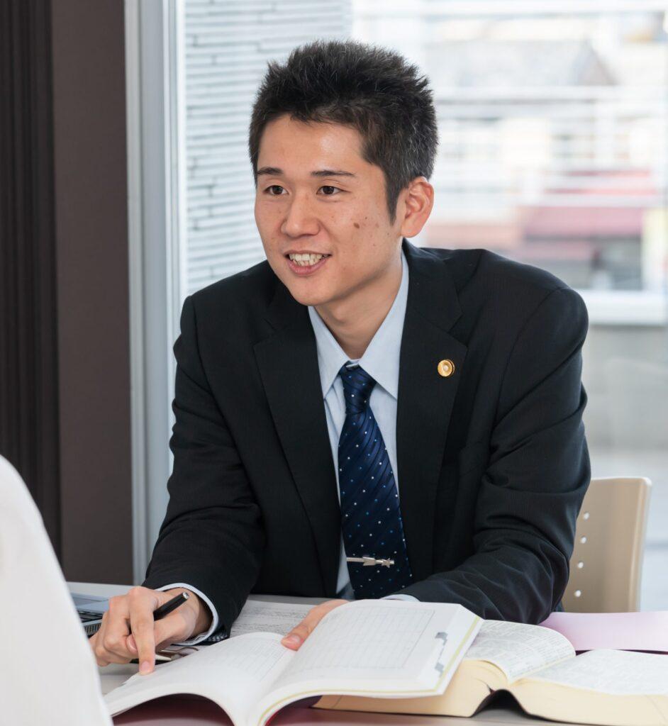 井上弁護士